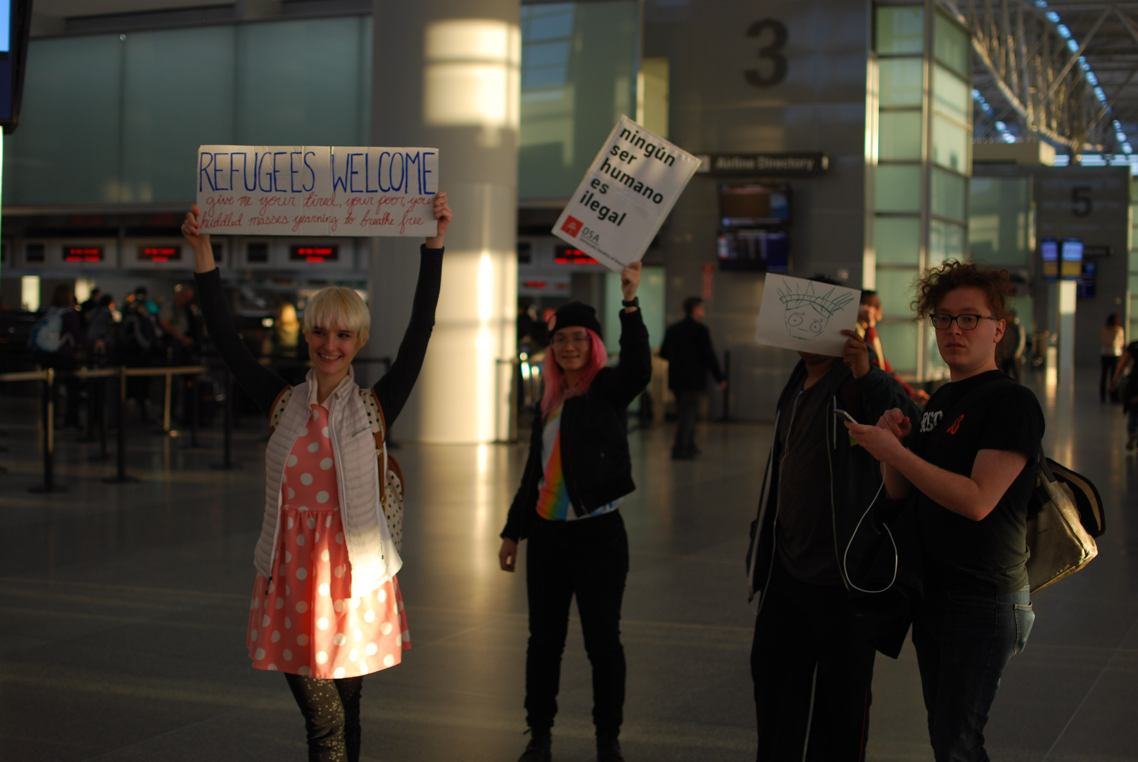 SFO-travel-ban-protest-refugees-welcome
