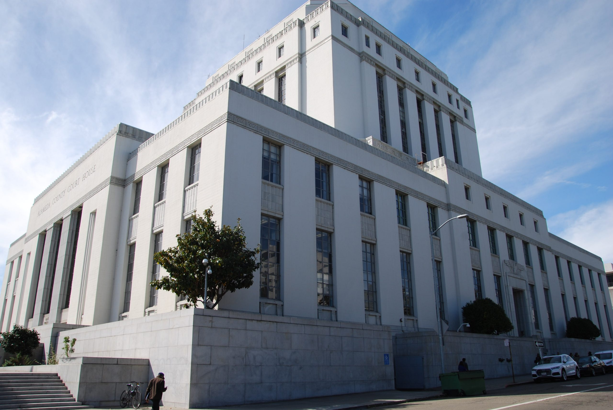 The Rene C. Davidson Alameda County courthouse in Oakland. Photo by Scott Morris.
